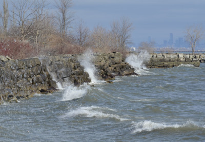 Photo of Lake Ontario Waves Breaking on NaturalCrooksDotCom